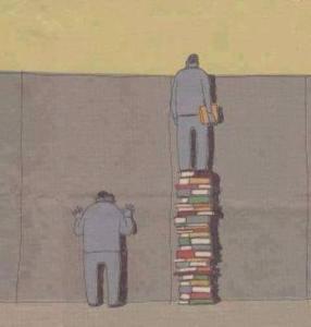 Memanfaatkan peluang. Pembuat karikatur tampaknya memberikan pesan bahwa buku bermanfaat untuk membuat kita makin tinggi, makin memiliki wawasan lebih luas dari tembok penghalang di depan kita